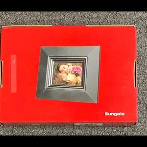 """Sungale Digital Photo Picture Frame 3.5"""" New Macys"""